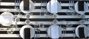 black-and-white-table-banner.jpg